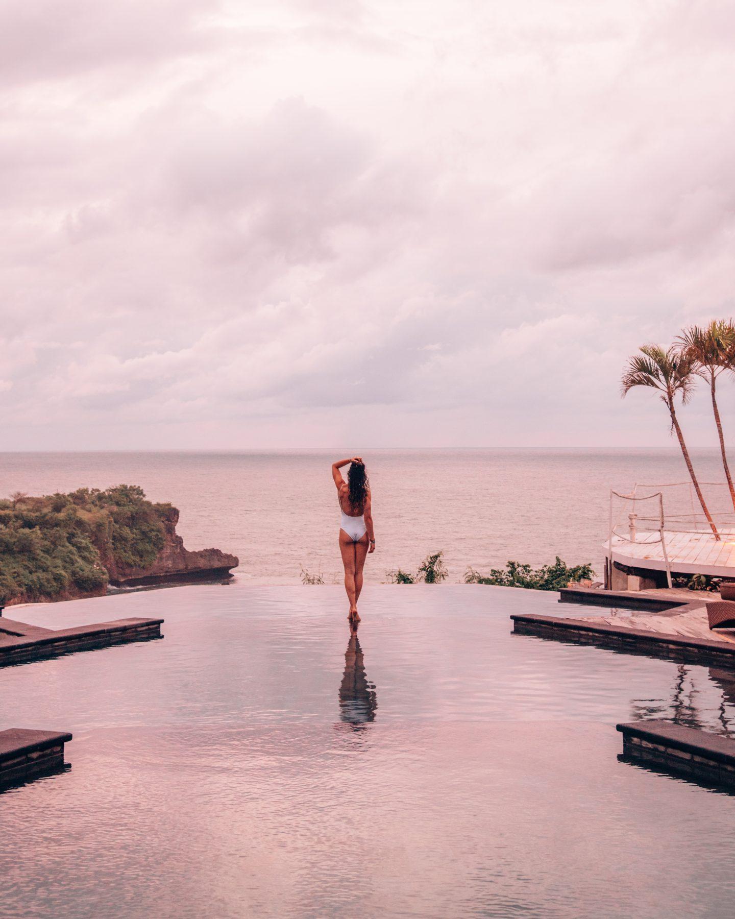 The infinity pool at sunset at La Joya Biu Biu in Uluwatu, Bali