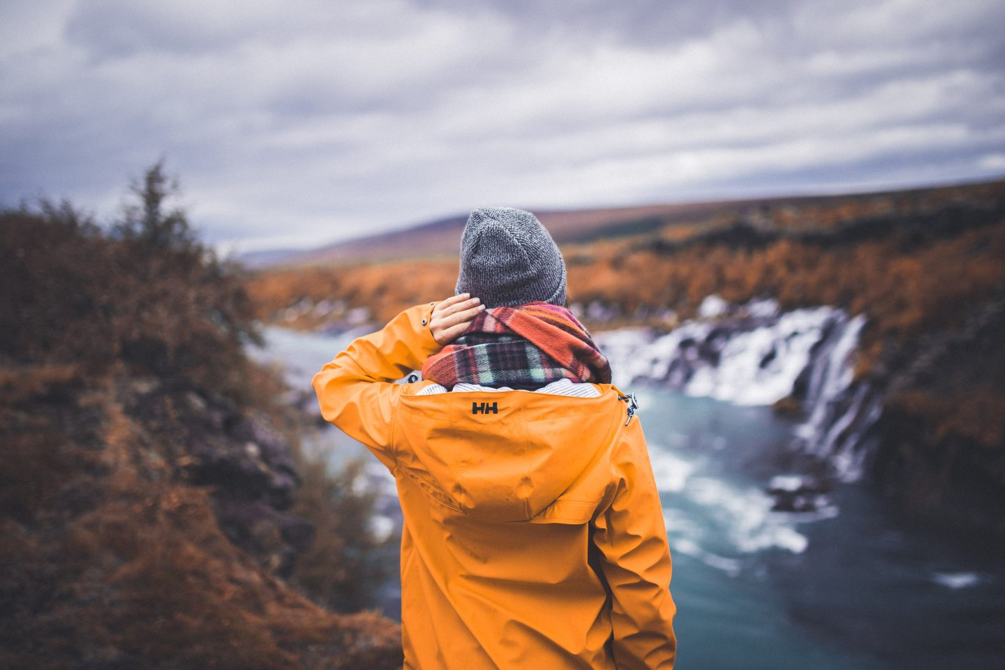 Hraunfossar waterfall, Iceland | @lisahomsy | check out the blogpost on www.lisahomy.com