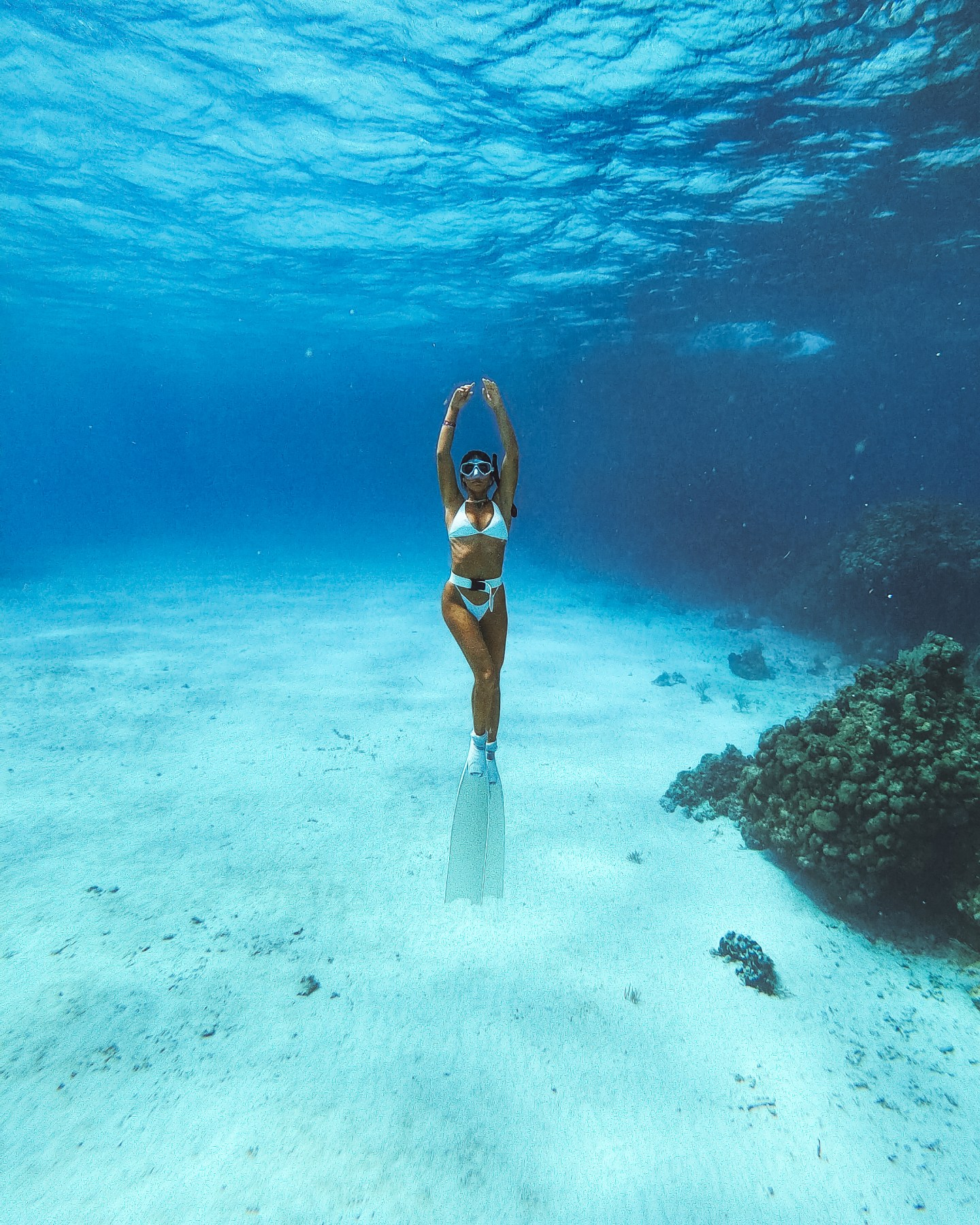 woman freediving in mexico